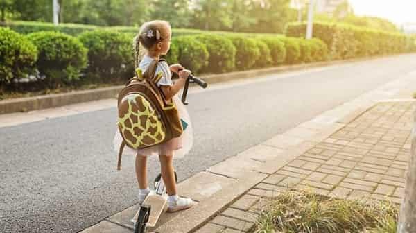 سنگینی کوله پشتی در کودکان چه عوارضی برای ستون فقرات دارد؟