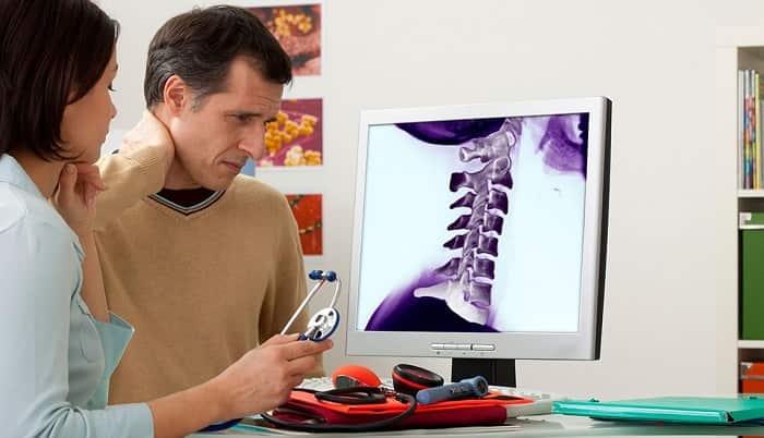 علائم دیسک گردن (انتشار درد از گردن به شانه، گزگز و بی حسی، اسپاسم)