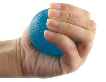 فشردن-توپ-برای-تقویت-دست