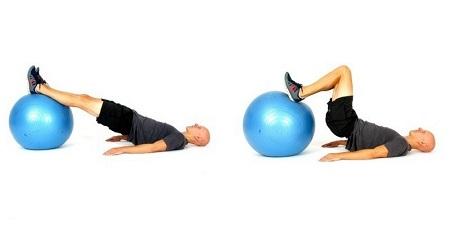 چرخش عضلات همسترینگ به کمک توپ ورزشی
